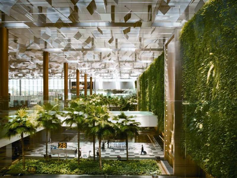 Четвертый год подряд аэропорт выбирают лучшим благодаря красивой архитектуре, эффективной работе, ро