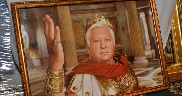 Суд арестовал коллекцию Пшонки иценности изохотничьего домика Януковича