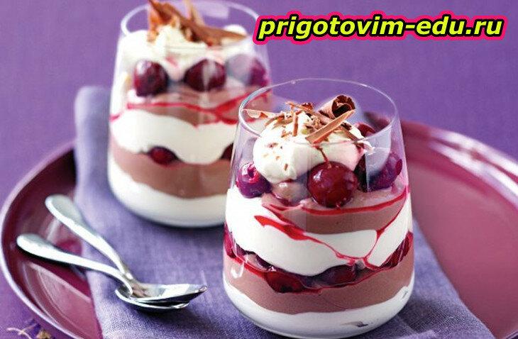 Слоеный десерт с цитрусовым сиропом