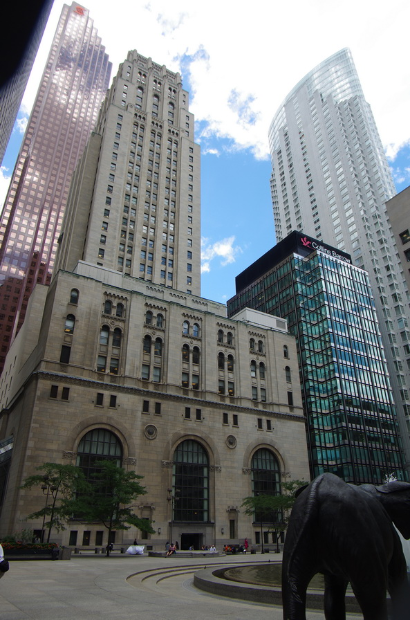 Commerce  Court  North, King  St.