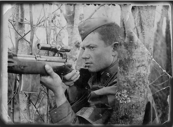 Cнайпер Волховского фронта Николай Аксаков (105-й погранполк НКВД).jpg