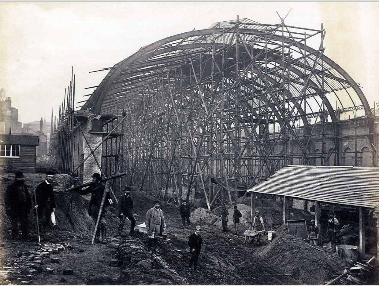 1868. Станция «Хай-стрит Кенсингтон». Строительство крыши станции