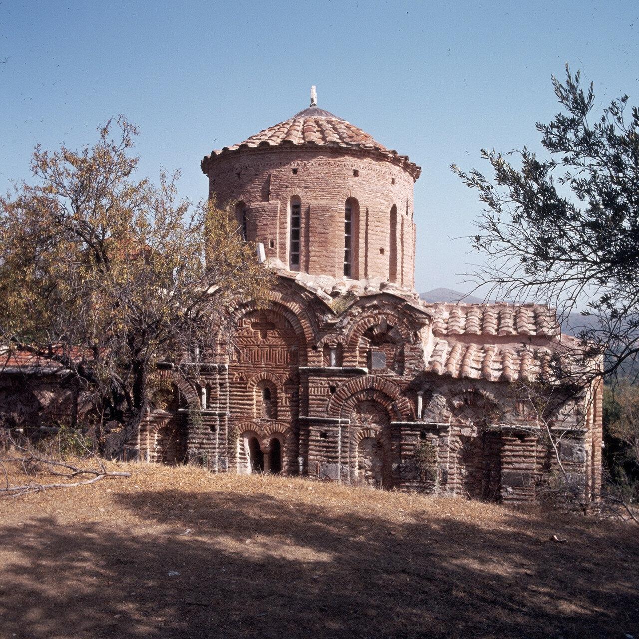 Южный Хиос. Пирги.  Византийская церковь Святых Апостолов XIII в.