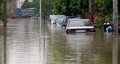Красный код опасности в Румынии из-за непрекращающихся ливней