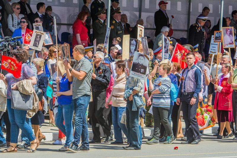 По улицам Астрахани прошел «Бессмертный полк»