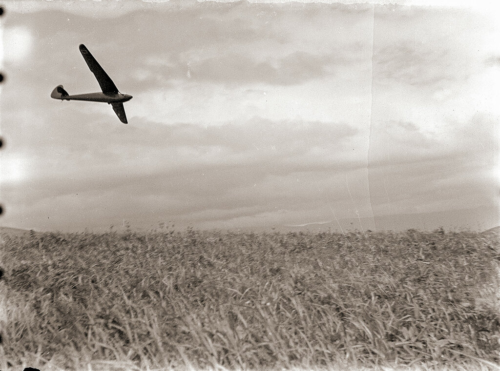 Sailplane in Flight, Japan 1930s - possibly a Minimoa prototype