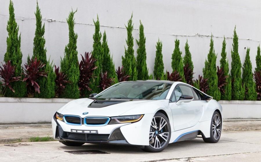 5. «BMW i8»: годы выпуска с 2014 по сегодняшний день Многочисленные модели автомобилей от компании «