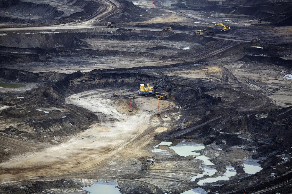 16. Нефтеносные пески, 17 сентября 2014. (Фото Reuters | Todd Korol):