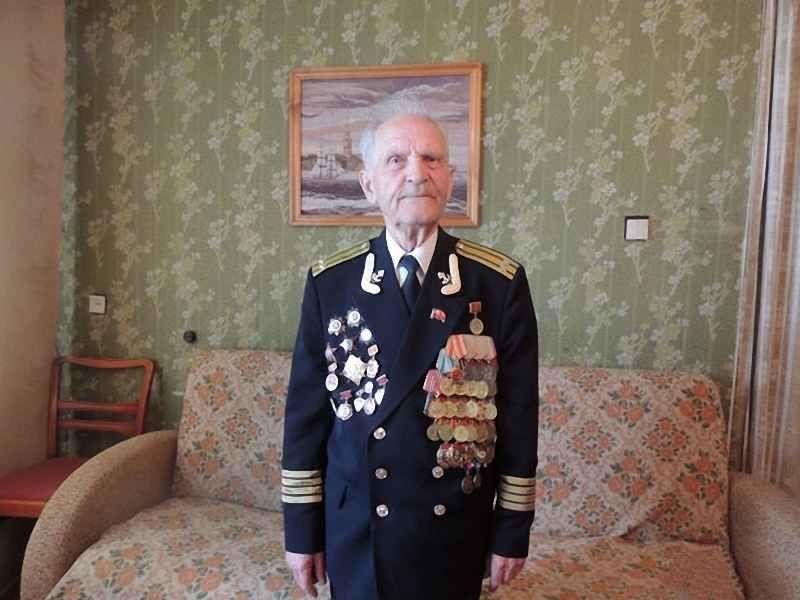 6. Супергерой Николай Михайлович Беляев, 92 года. Последний живший солдат, штурмовавший Рейхстаг, ум