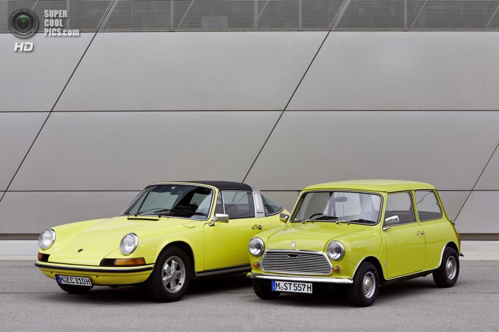Классический MINI поздравил Porsche 911 с 50-летием (31 фото)