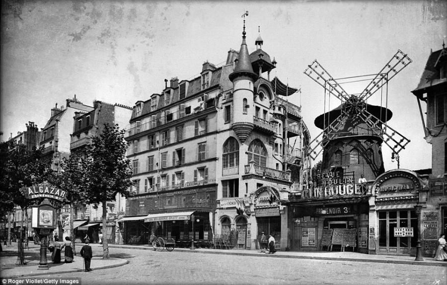 2. Открытие нового заведения «Мулен-Руж» в Париже состоялось в октябре 1889 году и сразу же это заве