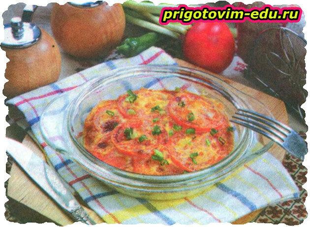 Завтрак из помидоров с яйцами