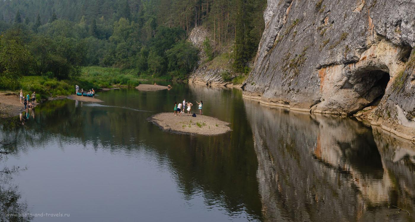 Фото 20. Вид на Сергу и подножье скалы, снятый с подвесного моста. 1/320, -0.33, 8.0, 250, 50.