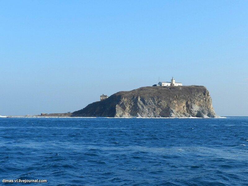 Остров и маяк Скрыплева. 5-января-2012г