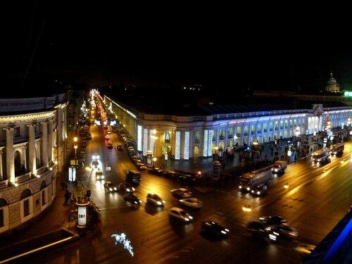 Перекресток. Невский проспект и Садовая улица