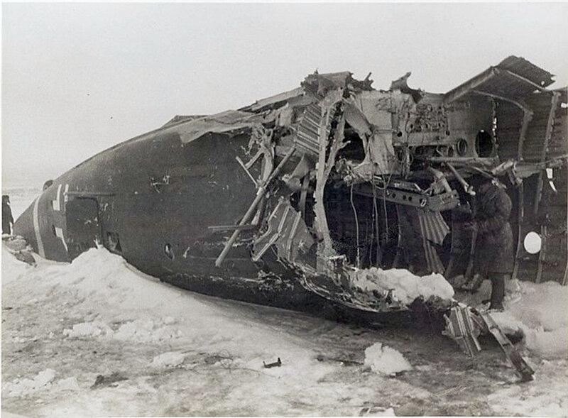 Фото С.Н. Струнникова: Сбитый фашистский транспортник до родины уже никогда не долетит.