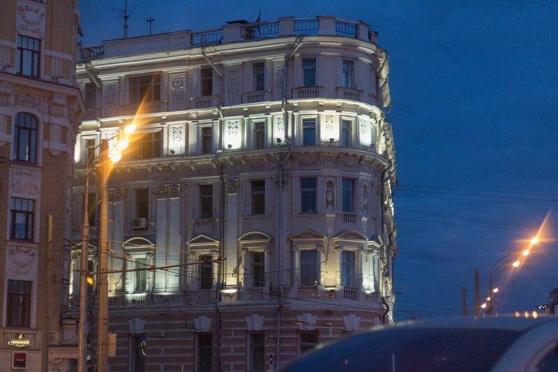 "Бизнес-центр ""Зубовские ворота"", Москва"