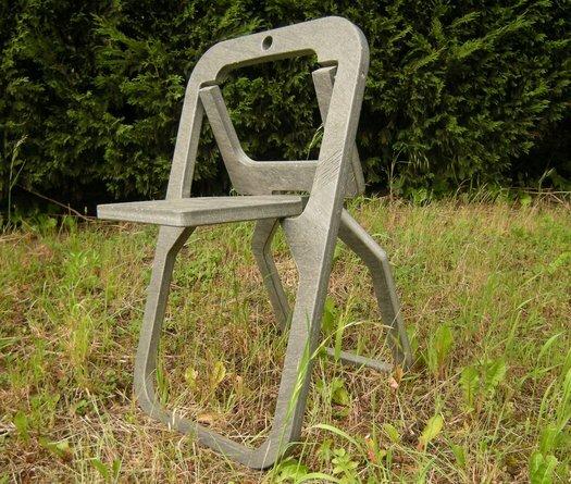 Экологичный складной стул найден.  Интригующее и пугающее роботизированное платье-паук Spider Dress (видео).