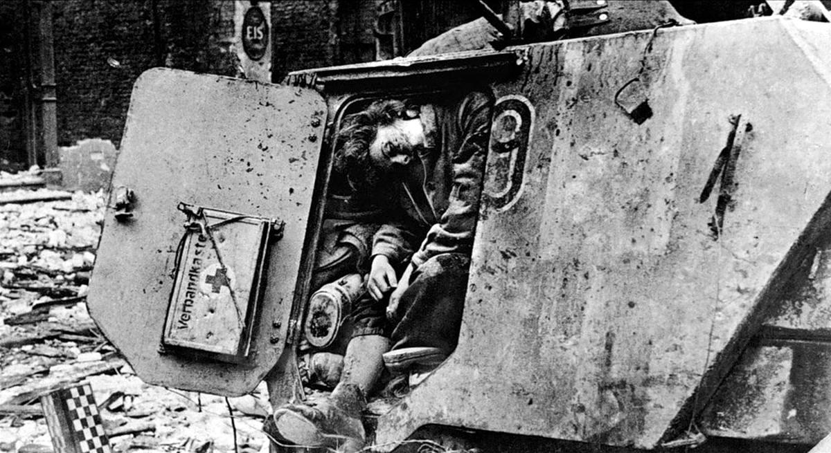 Падение Берлина на фотографиях весны 1945 года (4)