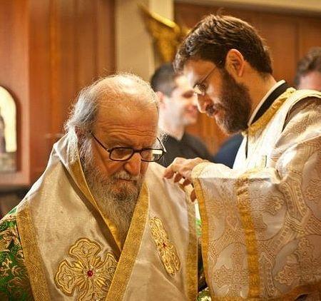 Архиепископ Димитрий и архидиакон Пантелеимон