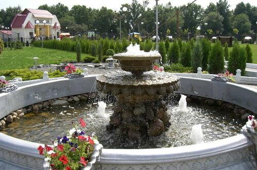 Бордюр КОСИЧКА.Кругововое обрамление площадки вокруг фонтана