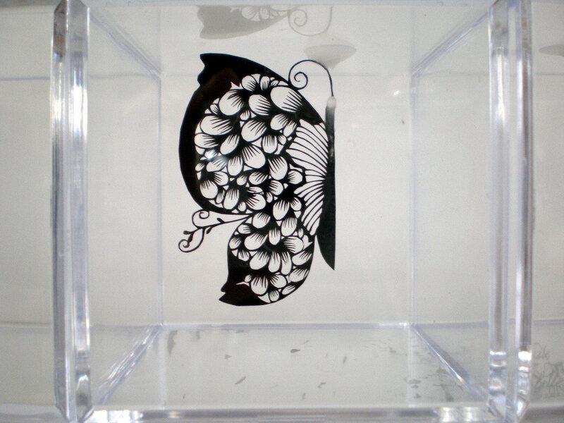Шедевры, вырезанные из бумаги, японской художницы Hina Aoyama