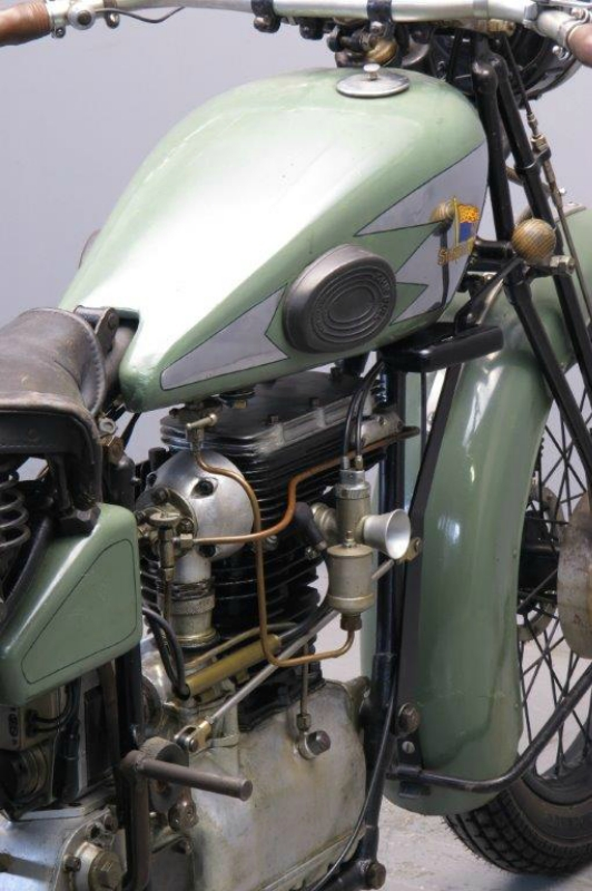 Royal-Standard-1929-2508-9.jpg