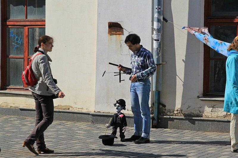 Марионетка Чаплин - «Вятский Арбат» в день города-2015 на пешеходной улице Спасской