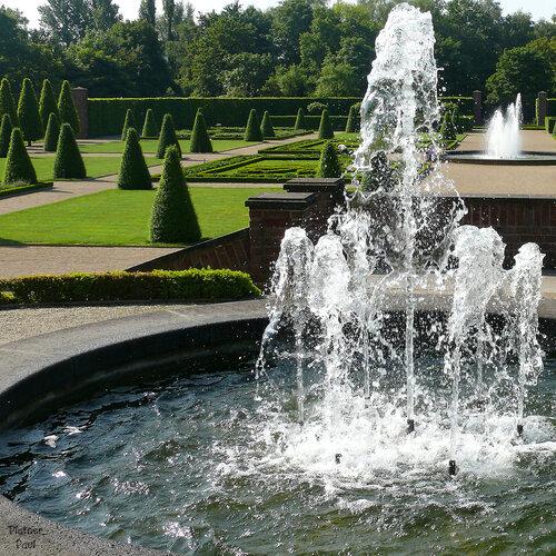 Сегодня хочу вам предложить прогулку по замечательному парку при монастыре в немецком городке Камп-Линфорт.