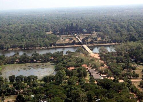 Ангкор Ват снят с воздушного шара!!!