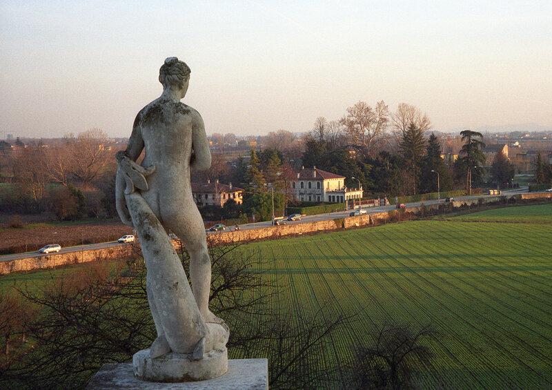 Скульптура Ротонды