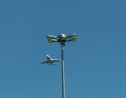 Самолет и...*
