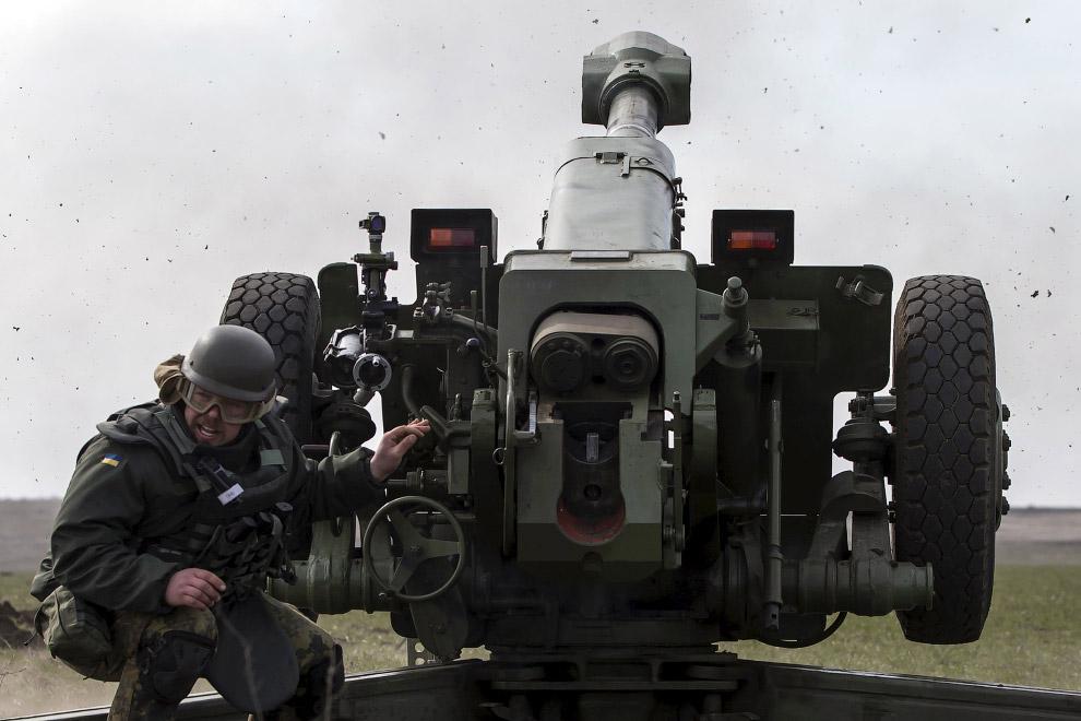 25. Учения полка «Азов», 19 марта 2015. (Фото Marko Djurica | Reuters):