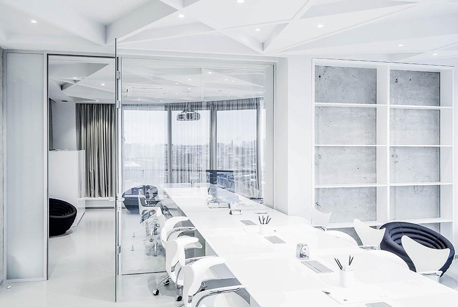 7. Этот офис принадлежит компании, которая занимается организацией бизнеса для различных брендов, вк