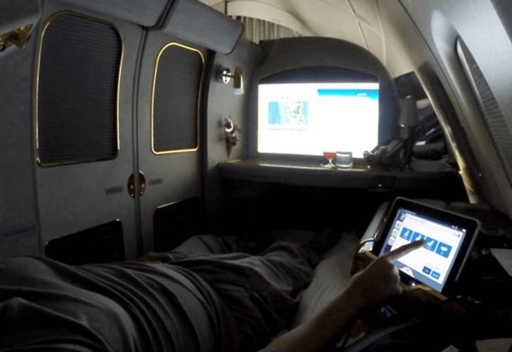 44. Очень полезной функцией А380 является использование панели управления в стиле iPad. Он позволяет