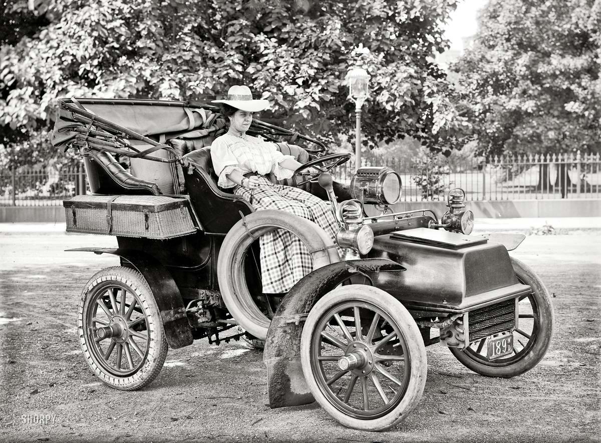 Автомобили и девушки начала 20-го века на снимках американских фотографов (3)