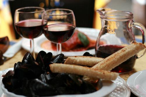 мидии с вином