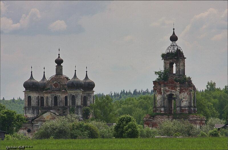 Церковь Преображения Господня в Спас-Косицах.