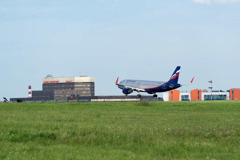 Airbus A320-214 (VQ-BSU) Аэрофлот D809334a