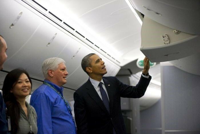 Барак Обама проверяет электронную почту (смешные фото)
