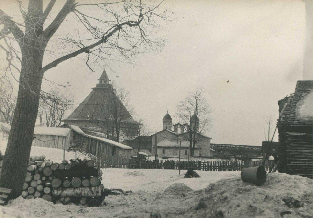 1965. Покровский угол