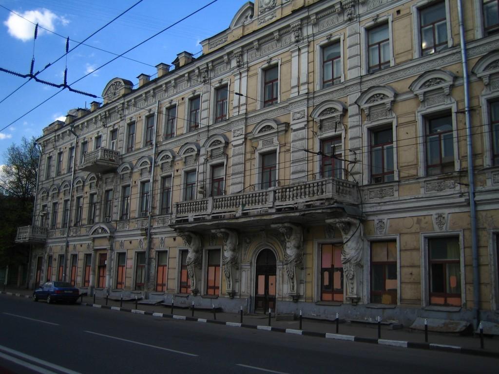 Бывший Доходный дом Расторгуевых, арх. Н. В. Карнеев, 1882
