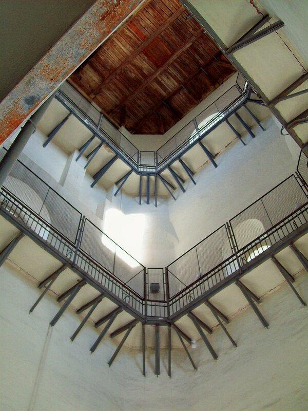 Обзорные галереи внутри Софиеской колокольни