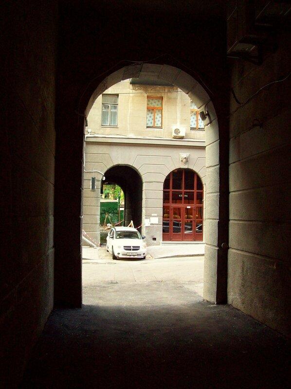 арка в пассаже