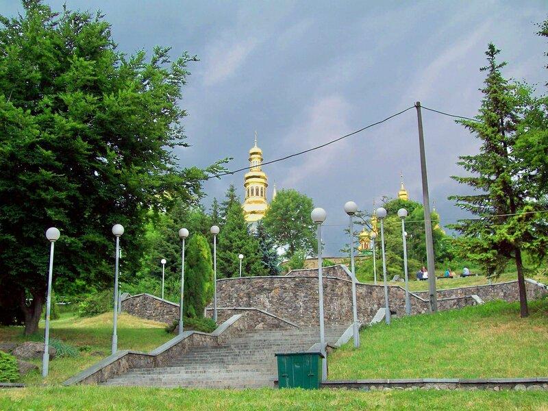 Ступени Печеского парка