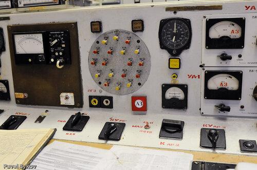 Главная кнопка - аварийная защита (остановка)