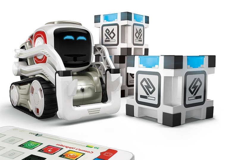 Cozmo - This adorable robot is freaking out when you win