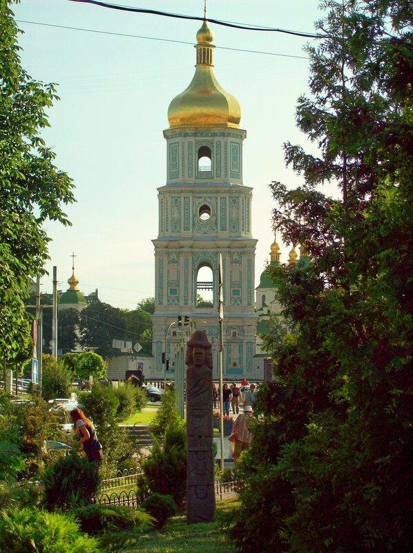 Идол во Владимирском переулке