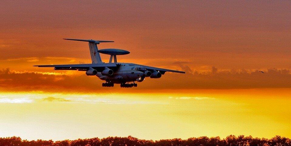 А-50 заходит на посадку.jpg