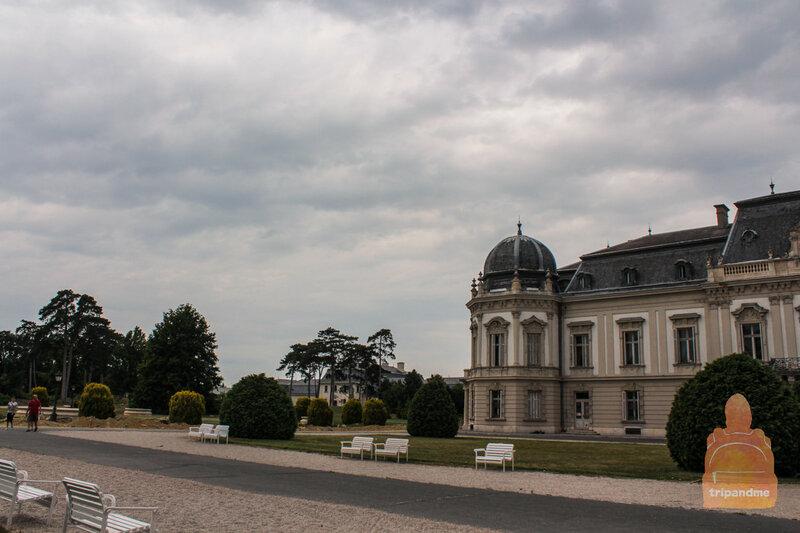 Парк вокруг дворца Фештетичей